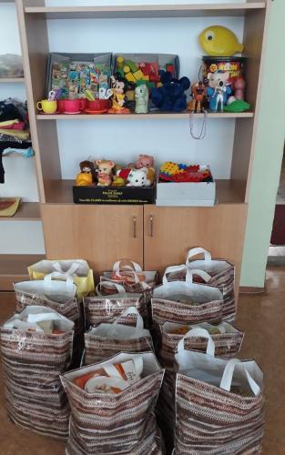 potraviny a hračky